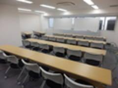 (E)無線LAN完備!プロジェクターセット無料!新宿三丁目徒歩1分(30名収容)E会議室(エスオ―ビズゲイツ)