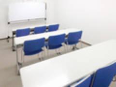 代々木駅徒歩5分!(9名収容)静かで快適な会議室☆