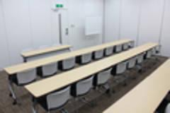 【汐留・新橋】駅近・きれいな会議室「Forum S+汐留 会議室B+C」27席