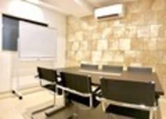 RAKUNA 上野Ⅱ【上野駅徒歩1分】最適6名☆シンプルで高級感のあるゆったりとした広さのスペース、会議や打合せの利用に最適!ホワイトボード追加★