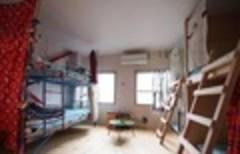 【大阪市動物園前駅徒歩5分】アートNPOが運営するゲストハウスの一部屋を丸ごと貸切! 関西地方でアクセス抜群良好です!