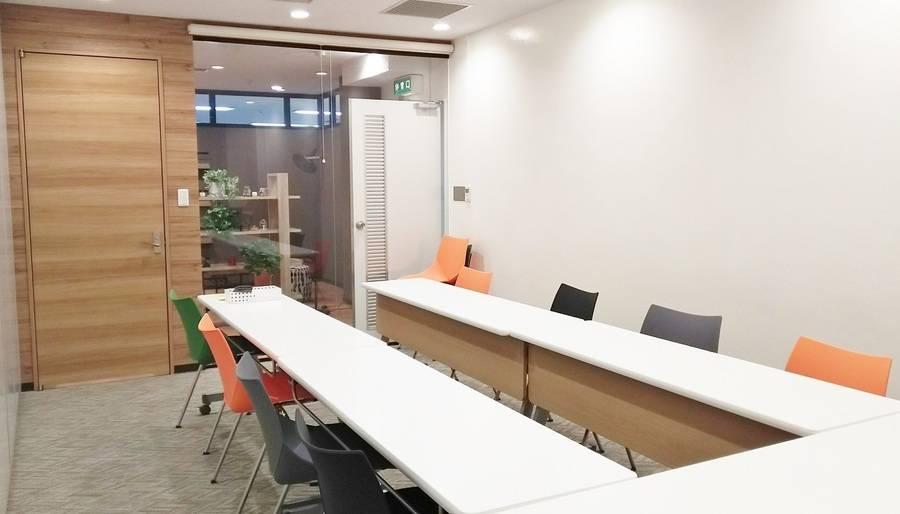 【ルームA】渋谷駅徒歩3分!会議・勉強会・ワークショップに最適な2~12名様用レンタルスペース