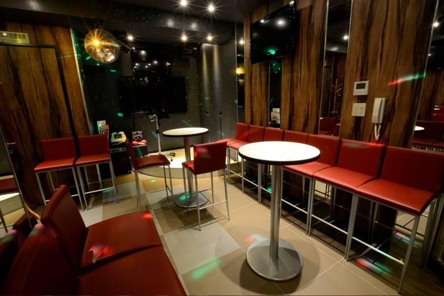 【新橋】カラオケ個室 カラオケの鉄人新橋SL広場前店 502号室