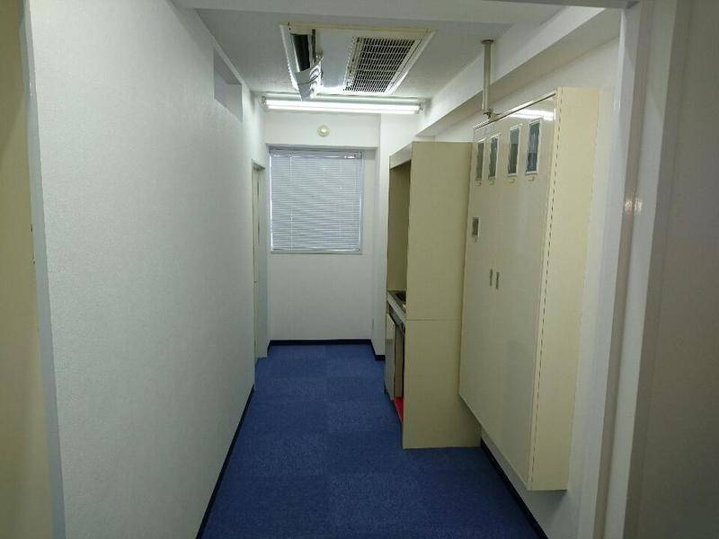 藤沢駅南口4分 湘南クリスタルホテル横 20席〜37席 ピアノ、マッサージベッド マイク