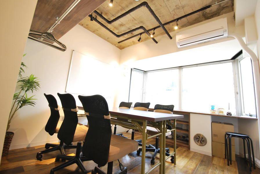 【目黒駅徒歩3分】目黒通り(権之助坂)沿いに立地する格安完全個室会議室